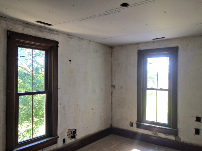farmhouse-renovation-week-13-boys-room-walls