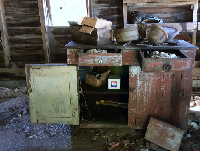 farmhouse-renovation-week-13-cabinet
