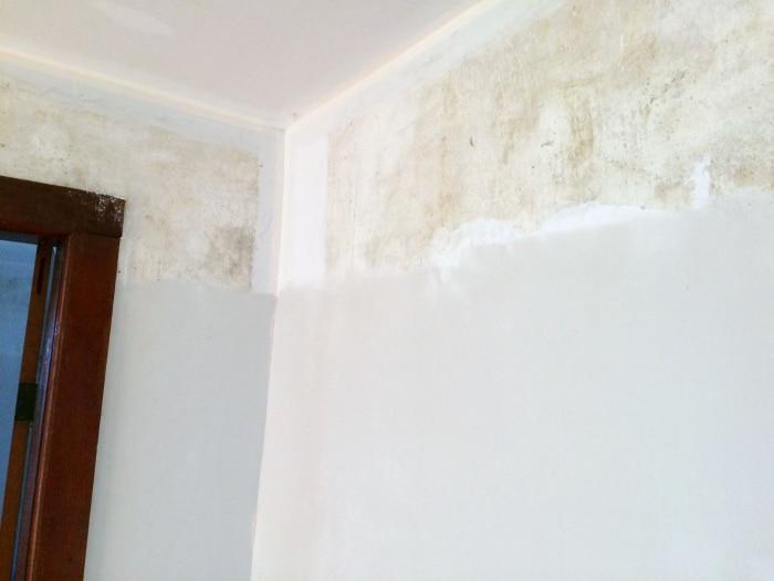 farmhouse-renovation-week-13-skimming-walls-of-plaster