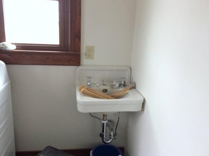 farmhouse-renovation-week-20-laundry-room-farmhouse-sink