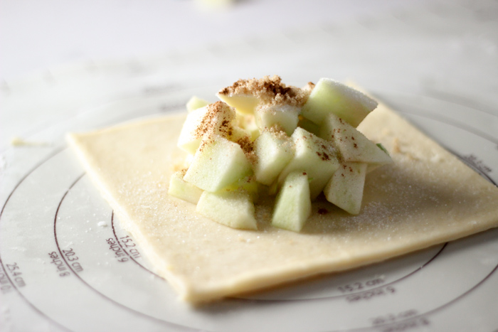 apples on square pie crust