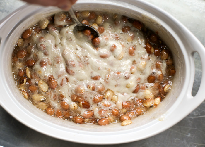 Peanut brittle foaming after adding baking soda
