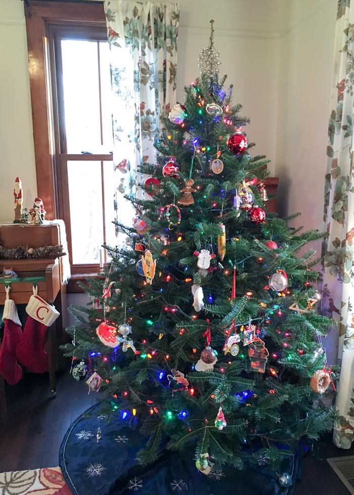 Christmas tree in farmhouse living room.