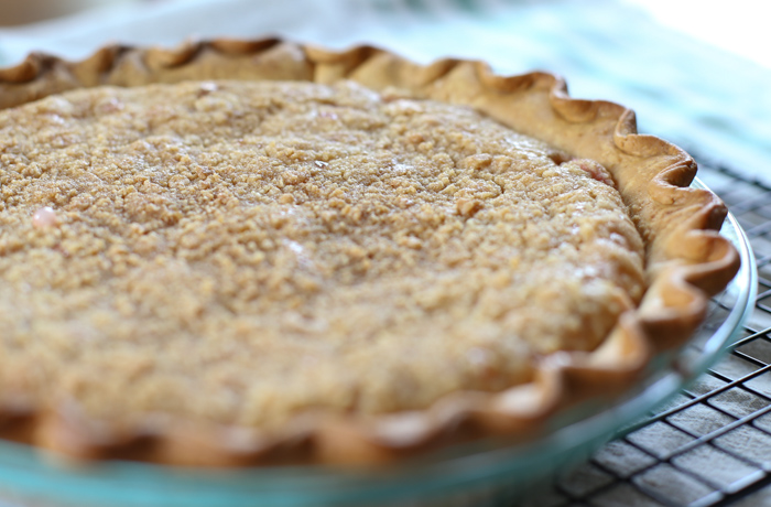 old fashioned rhubarb pie
