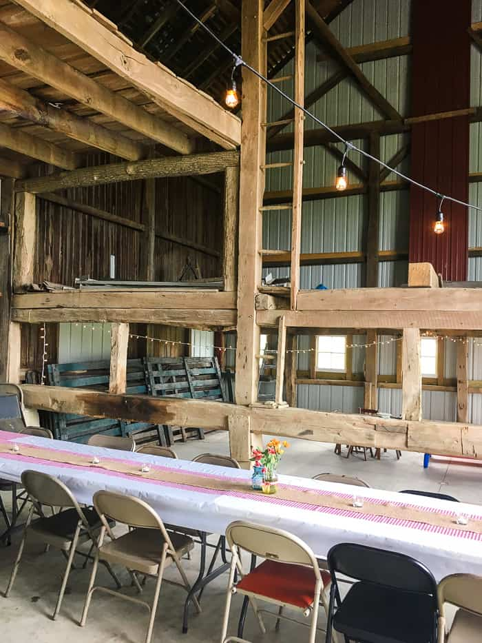 barn party decorations