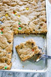 M&Ms cookie bars recipe