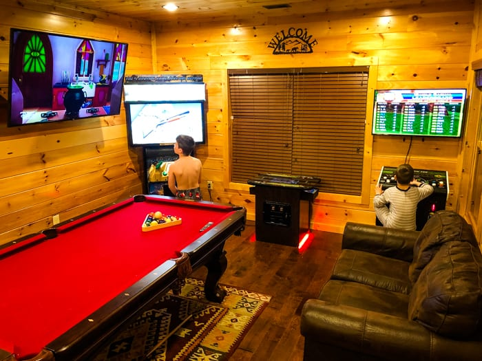 gameroom gatlinburg falls resort