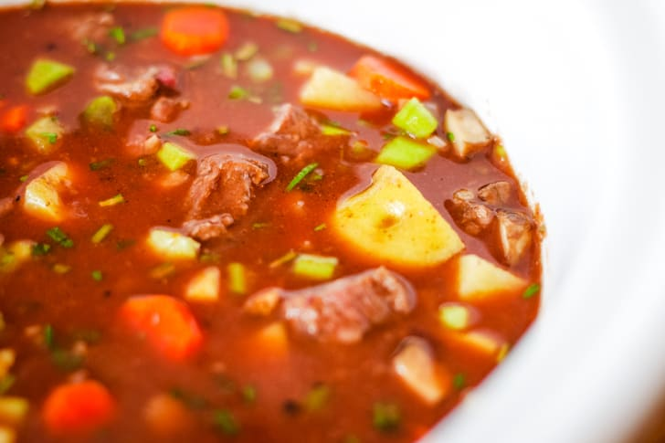 venison stew in slow cooker
