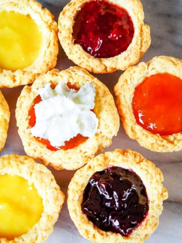mini scones filled with jelly