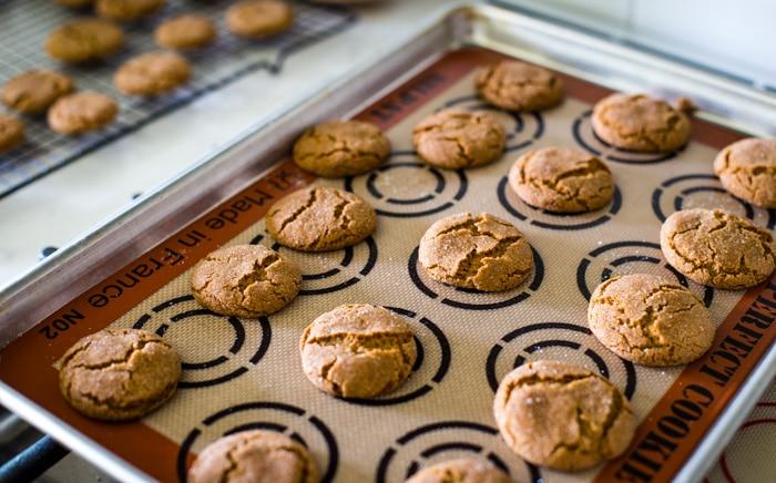 freshly baked ginger snaps