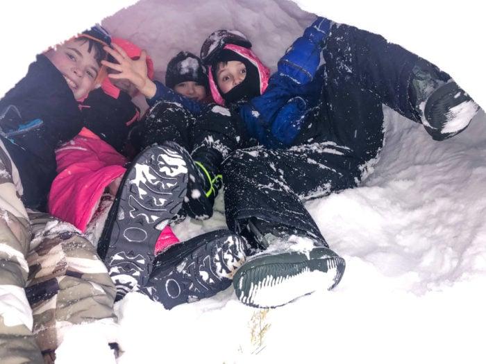 kids in iglo