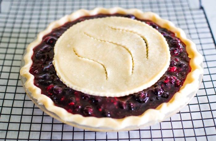 unbaked berry pie